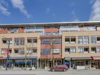 "Photo 4: 209 2250 COMMERCIAL Drive in Vancouver: Grandview VE Condo for sale in ""THE MARQUEE"" (Vancouver East)  : MLS®# R2253784"