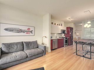 "Photo 7: 209 2250 COMMERCIAL Drive in Vancouver: Grandview VE Condo for sale in ""THE MARQUEE"" (Vancouver East)  : MLS®# R2253784"