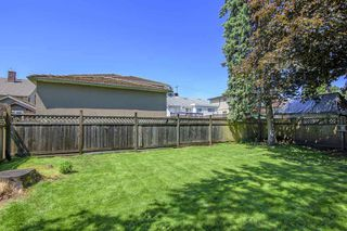 Photo 5: 7821 GRAHAM Avenue in Burnaby: East Burnaby House for sale (Burnaby East)  : MLS®# R2271847