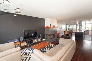 Photo 3: 2020 CHESTERFIELD Avenue in North Vancouver: Central Lonsdale Townhouse for sale : MLS®# R2274429