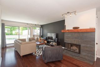 Photo 4: 2020 CHESTERFIELD Avenue in North Vancouver: Central Lonsdale Townhouse for sale : MLS®# R2274429