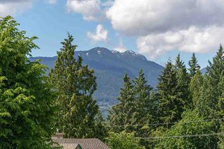 Photo 11: 2020 CHESTERFIELD Avenue in North Vancouver: Central Lonsdale Townhouse for sale : MLS®# R2274429