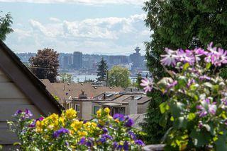 Photo 10: 2020 CHESTERFIELD Avenue in North Vancouver: Central Lonsdale Townhouse for sale : MLS®# R2274429