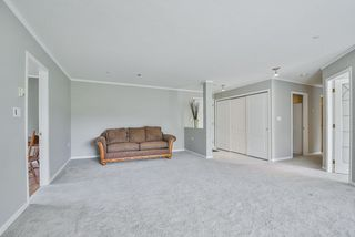 "Photo 7: 305 15290 18 Avenue in Surrey: King George Corridor Condo for sale in ""Stratford By The Park"" (South Surrey White Rock)  : MLS®# R2305593"
