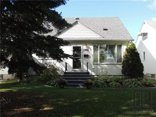 Photo 1: 1231 Warsaw Crescent in Winnipeg: Residential for sale (1Bw)  : MLS®# 1826289