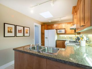 "Photo 8: 304 3088 W 41ST Avenue in Vancouver: Kerrisdale Condo for sale in ""LANESBOROUGH"" (Vancouver West)  : MLS®# R2323364"