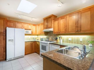 "Photo 7: 304 3088 W 41ST Avenue in Vancouver: Kerrisdale Condo for sale in ""LANESBOROUGH"" (Vancouver West)  : MLS®# R2323364"