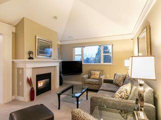 "Photo 3: 304 3088 W 41ST Avenue in Vancouver: Kerrisdale Condo for sale in ""LANESBOROUGH"" (Vancouver West)  : MLS®# R2323364"
