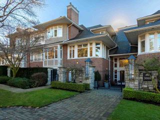 "Photo 1: 304 3088 W 41ST Avenue in Vancouver: Kerrisdale Condo for sale in ""LANESBOROUGH"" (Vancouver West)  : MLS®# R2323364"