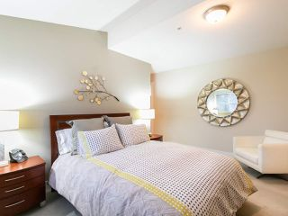 "Photo 15: 304 3088 W 41ST Avenue in Vancouver: Kerrisdale Condo for sale in ""LANESBOROUGH"" (Vancouver West)  : MLS®# R2323364"