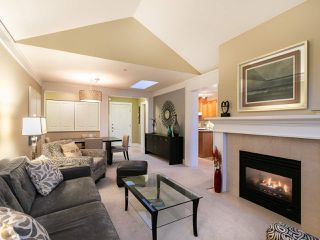 "Photo 5: 304 3088 W 41ST Avenue in Vancouver: Kerrisdale Condo for sale in ""LANESBOROUGH"" (Vancouver West)  : MLS®# R2323364"