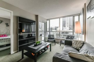 Photo 8: 2102 833 SEYMOUR Street in Vancouver: Downtown VW Condo for sale (Vancouver West)  : MLS®# R2340475
