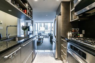 Photo 7: 2102 833 SEYMOUR Street in Vancouver: Downtown VW Condo for sale (Vancouver West)  : MLS®# R2340475