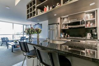 Photo 2: 2102 833 SEYMOUR Street in Vancouver: Downtown VW Condo for sale (Vancouver West)  : MLS®# R2340475