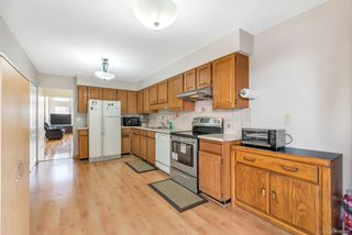 Photo 10: 7550 17TH Avenue in Burnaby: Edmonds BE House 1/2 Duplex for sale (Burnaby East)  : MLS®# R2346014