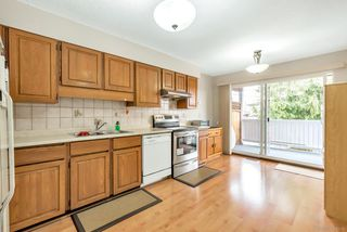 Photo 11: 7550 17TH Avenue in Burnaby: Edmonds BE House 1/2 Duplex for sale (Burnaby East)  : MLS®# R2346014