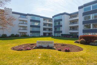 Photo 1: 206 1370 Beach Drive in VICTORIA: OB South Oak Bay Condo Apartment for sale (Oak Bay)  : MLS®# 406508