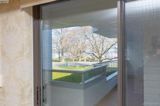 Photo 9: 206 1370 Beach Drive in VICTORIA: OB South Oak Bay Condo Apartment for sale (Oak Bay)  : MLS®# 406508