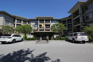 "Photo 1: 425 12238 224 Street in Maple Ridge: East Central Condo for sale in ""Urbano"" : MLS®# R2355981"