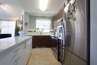 "Photo 3: 425 12238 224 Street in Maple Ridge: East Central Condo for sale in ""Urbano"" : MLS®# R2355981"
