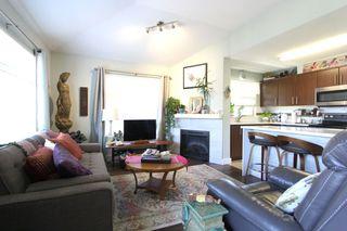"Photo 4: 425 12238 224 Street in Maple Ridge: East Central Condo for sale in ""Urbano"" : MLS®# R2355981"