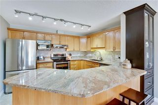 Photo 3: 1216 SIENNA PARK Green SW in Calgary: Signal Hill Apartment for sale : MLS®# C4237628