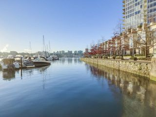 "Photo 20: 2606 1201 MARINASIDE Crescent in Vancouver: Yaletown Condo for sale in ""THE PENINSULA"" (Vancouver West)  : MLS®# R2363085"