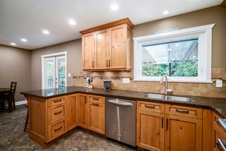 Photo 5: 3055 LARCH Way in Port Coquitlam: Birchland Manor House for sale : MLS®# R2371796