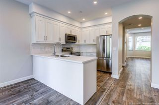"Photo 3: 63 7500 CUMBERLAND Street in Burnaby: The Crest Townhouse for sale in ""Wildflower"" (Burnaby East)  : MLS®# R2372290"