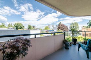 """Photo 7: 301 612 FIFTH Avenue in New Westminster: Uptown NW Condo for sale in """"THE FIFTH AVENUE"""" : MLS®# R2373592"""