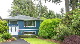 Photo 1: 3230 ROYAL Avenue in North Vancouver: Princess Park House for sale : MLS®# R2376155