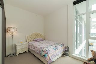 Photo 15: 1807 8988 PATTERSON Road in Richmond: West Cambie Condo for sale : MLS®# R2377919