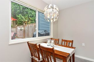 Photo 5: 15956 20 Avenue in Surrey: King George Corridor House 1/2 Duplex for sale (South Surrey White Rock)  : MLS®# R2386737