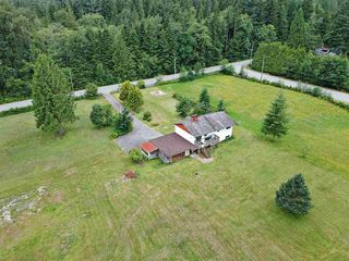 """Photo 5: 12162 ROLLEY LAKE Street in Mission: Stave Falls House for sale in """"Stave Falls"""" : MLS®# R2388736"""