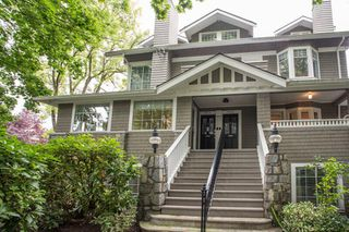 Photo 1: 1810 COLLINGWOOD Street in Vancouver: Kitsilano Townhouse for sale (Vancouver West)  : MLS®# R2407784
