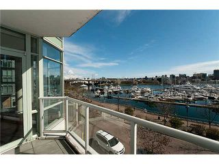"Photo 8: 302 1077 MARINASIDE Crescent in Vancouver: False Creek North Condo for sale in ""MARINASIDE RESORT"" (Vancouver West)  : MLS®# V883853"