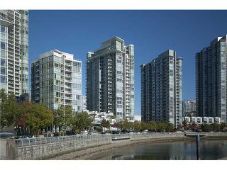 "Photo 1: 302 1077 MARINASIDE Crescent in Vancouver: False Creek North Condo for sale in ""MARINASIDE RESORT"" (Vancouver West)  : MLS®# V883853"
