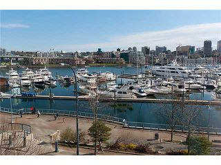 "Photo 3: 302 1077 MARINASIDE Crescent in Vancouver: False Creek North Condo for sale in ""MARINASIDE RESORT"" (Vancouver West)  : MLS®# V883853"