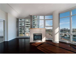 "Photo 6: 302 1077 MARINASIDE Crescent in Vancouver: False Creek North Condo for sale in ""MARINASIDE RESORT"" (Vancouver West)  : MLS®# V883853"