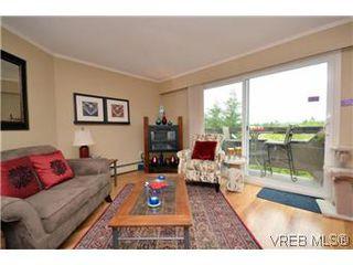 Photo 4: 309 3800 Quadra St in VICTORIA: SE Quadra Condo for sale (Saanich East)  : MLS®# 578178