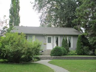 Photo 1: 329 Kirby Avenue West in Dauphin: Residential for sale