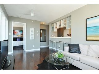 "Photo 3: 2910 928 BEATTY Street in Vancouver: Yaletown Condo for sale in ""The Max"" (Vancouver West)  : MLS®# V1052333"