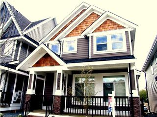 "Photo 2: 19064 68TH Avenue in Surrey: Clayton House for sale in ""CLAYTON HILL"" (Cloverdale)  : MLS®# F1408917"