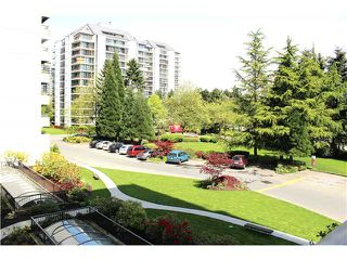 "Photo 9: 302 4194 MAYWOOD Street in Burnaby: Metrotown Condo for sale in ""PARK AVENUE TOWERS"" (Burnaby South)  : MLS®# V1063946"
