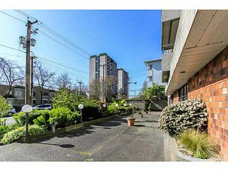 "Photo 2: 304 47 AGNES Street in New Westminster: Downtown NW Condo for sale in ""FRASER HOUSE"" : MLS®# V1115941"