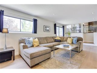 Photo 18: 816 COACH SIDE Crescent SW in Calgary: Coach Hill House for sale : MLS®# C4030748