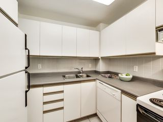 Photo 15: 905 105 Victoria Street in Toronto: Church-Yonge Corridor Condo for sale (Toronto C08)  : MLS®# C3382213