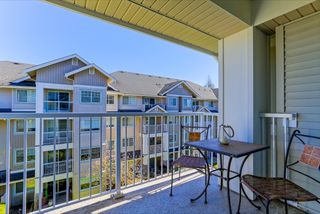 """Photo 19: 305 19340 65 Avenue in Surrey: Clayton Condo for sale in """"Esprit"""" (Cloverdale)  : MLS®# R2045830"""