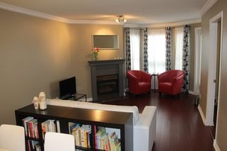 """Photo 2: 412 5759 GLOVER Road in Langley: Langley City Condo for sale in """"College Court"""" : MLS®# R2047493"""