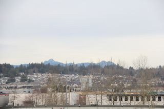 """Photo 8: 412 5759 GLOVER Road in Langley: Langley City Condo for sale in """"College Court"""" : MLS®# R2047493"""